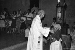 Rogelio Poncell celebrates mass in Joateca, Morazán the 31st of December 1991. Announcment of the end of the war.