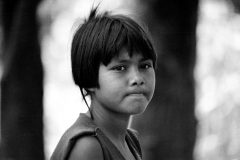 El Salvador, 1991. Kid in a conflictive zone.
